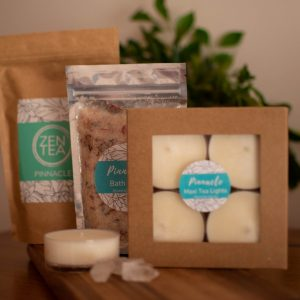 Body and bath gift pack with candles